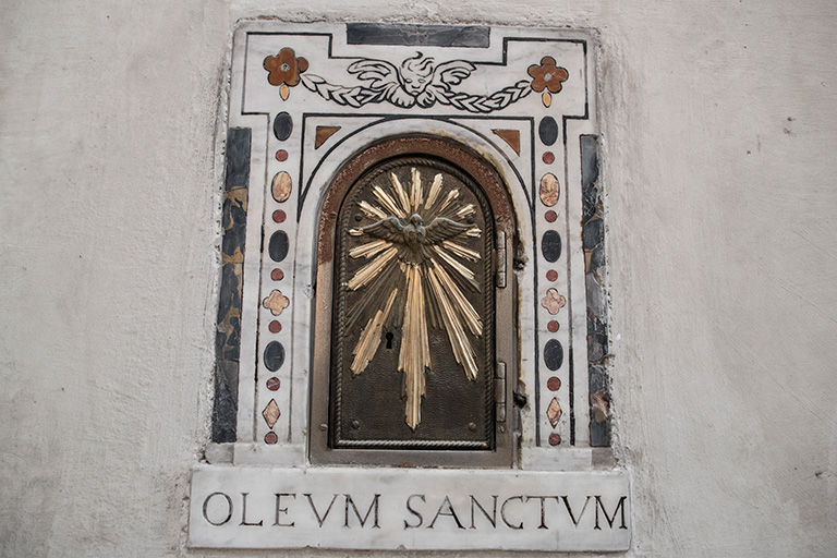 oleum sanctum