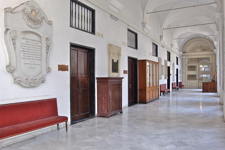 corridoio dell' Albergo dei Poveri