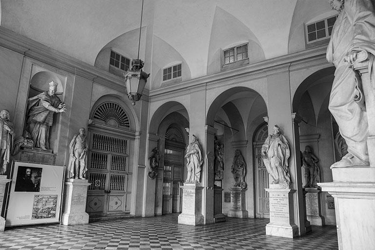 sala delle statue dell' Albergo dei Poveri
