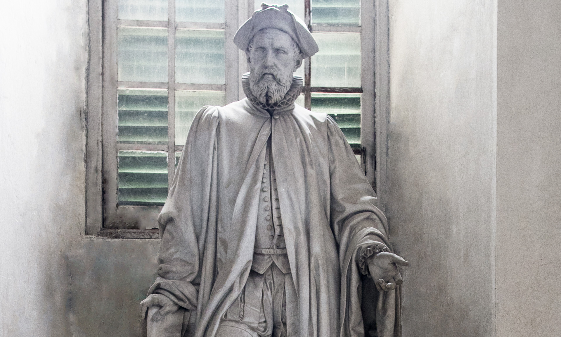 statue_petro-gentili-oberti-filio_01 - Albergo dei Poveri Genova